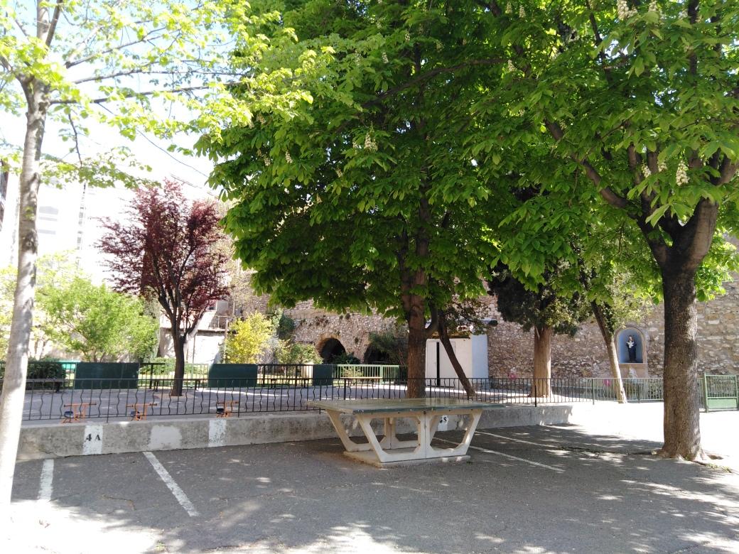 Cours vide Sainte Catherine